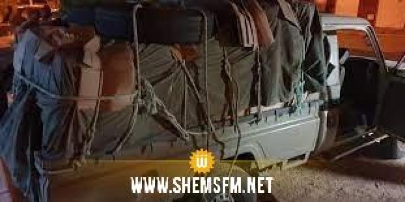 سليانة: ضبط 3 شاحنات خفيفة دون لوحات منجمية محمّلة بملابس بقيمة 400 ألف دينار