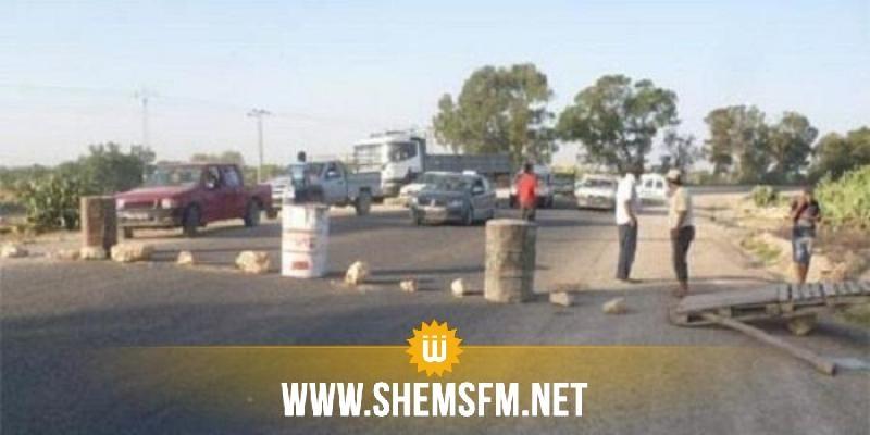 الهوارية: متساكنو منطقة بني حسون يُغلقون الطريق ويحتجون