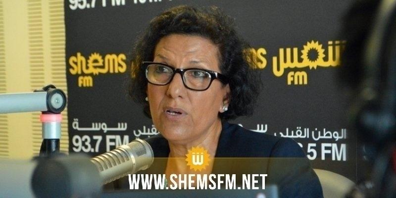 نقل الحقوقية راضية النصراوي الى المستشفى العسكري