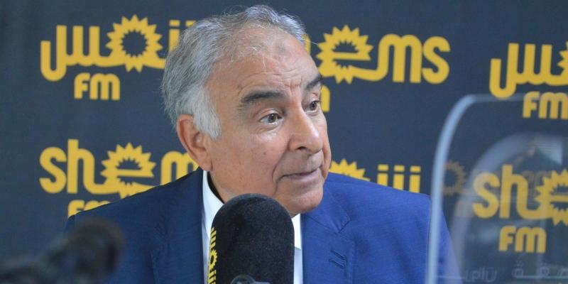 عز الدين سعيدان: 'حلان فقط أمام تونس لتغطية العجز في الميزانية'